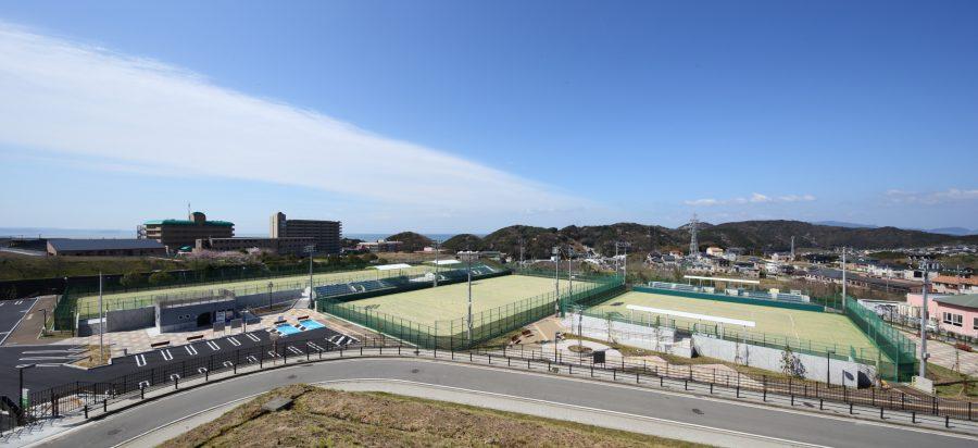 屋外テニスコート