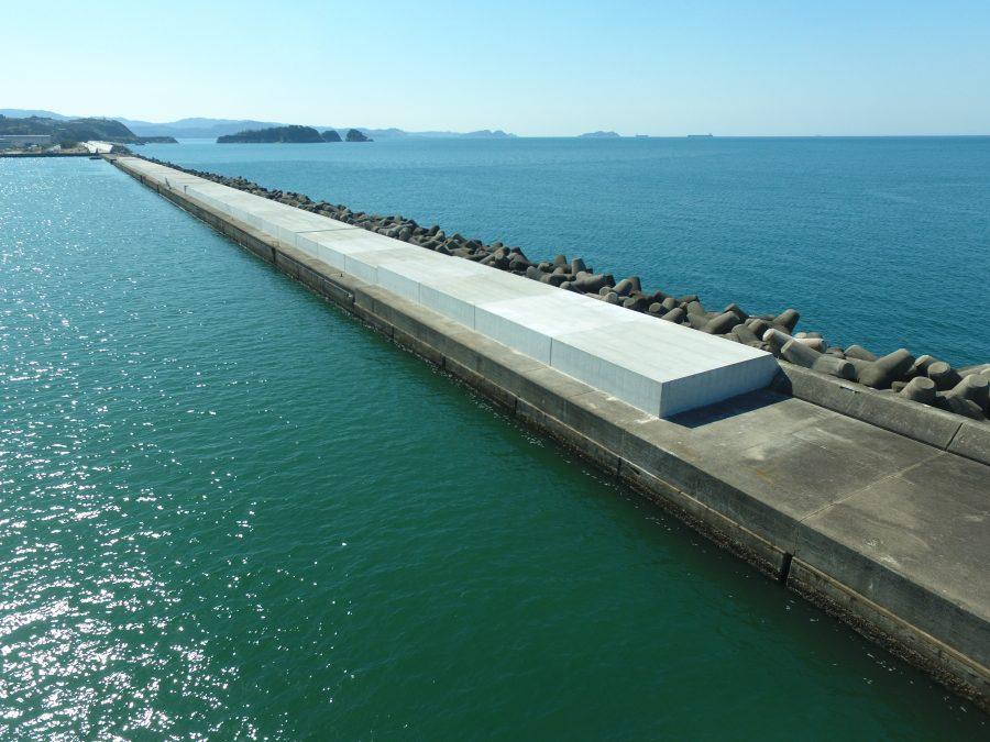 和歌山下津港本港地区防波堤(外)(1)改良工事(第2工区)