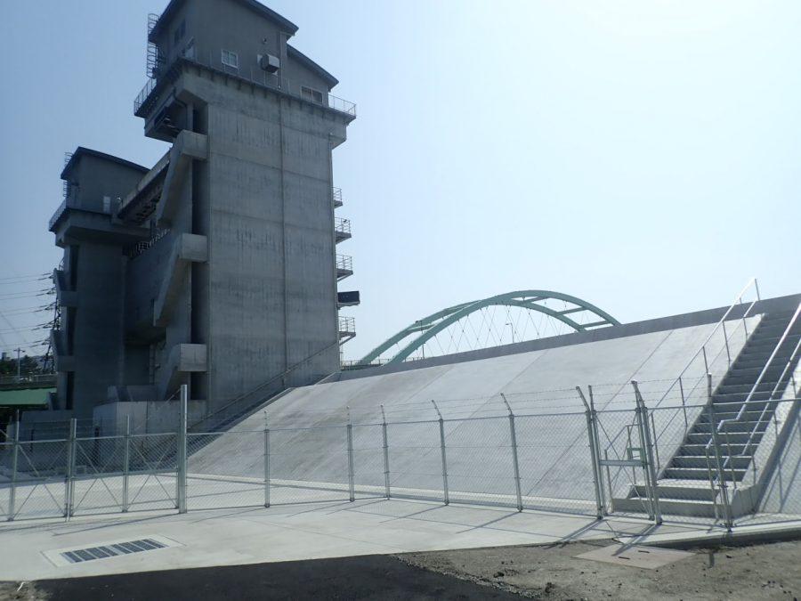和歌山下津港海岸(海南地区)琴ノ浦水門取付護岸築造工事